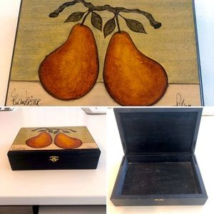 Decorative box hand-painted with pears 🍣
